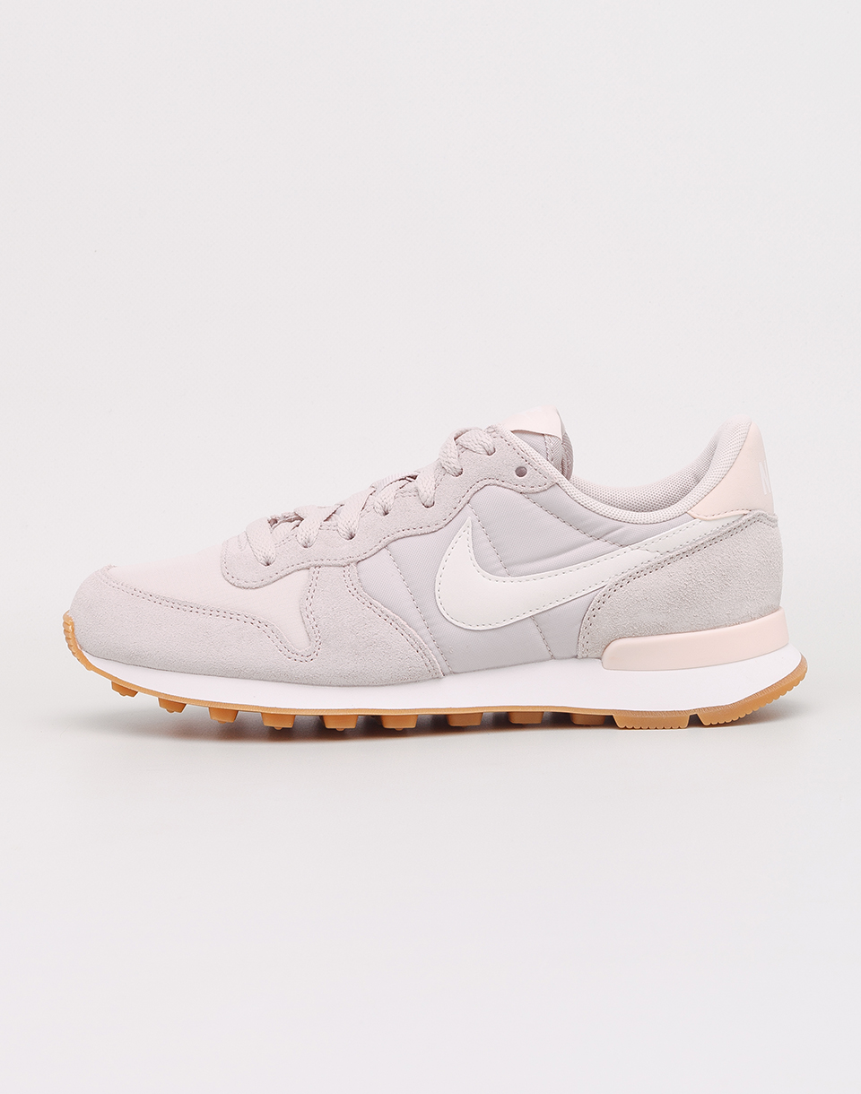 Nike Internationalist Desert Sand  Summit White  Gum Light Brown 38