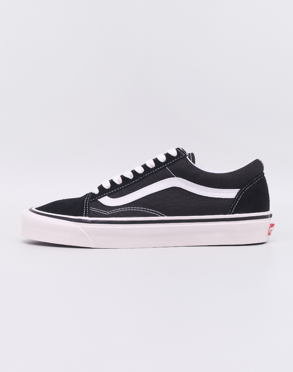 57e81946255e Vans Old Skool 36 DX (Anaheim Factory) Black  True White 41