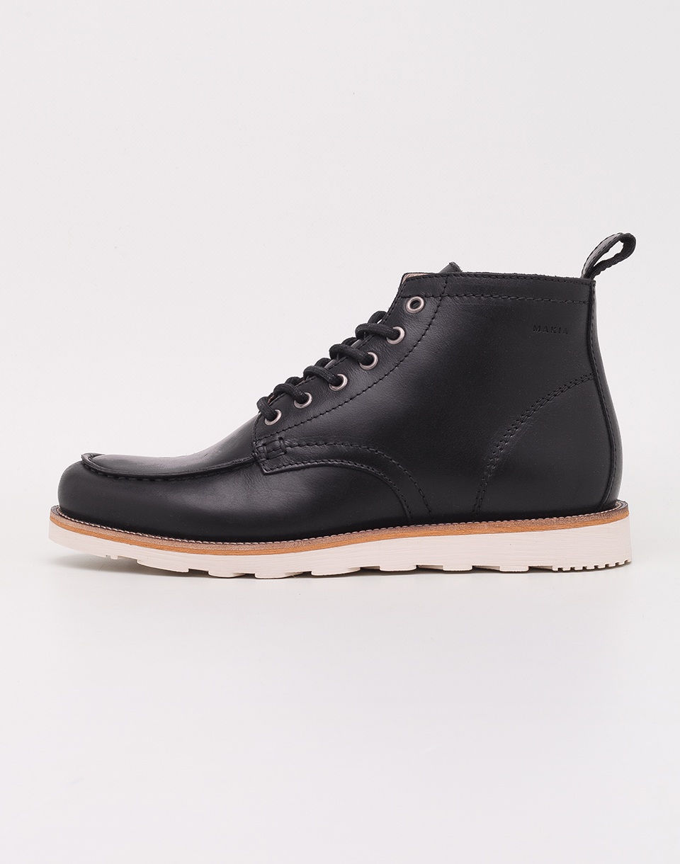 Makia Yard Black 42