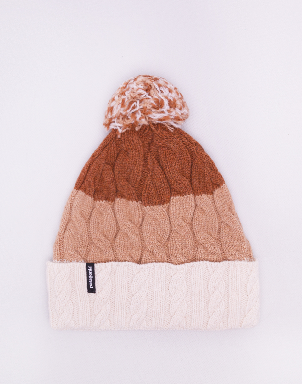 Patagonia Pom Beanie Glacier Stripe: Birch White Bearfoot tan