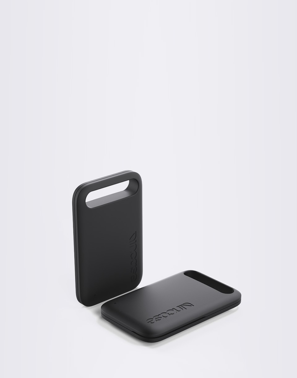 Incase Smart Luggage Tracker Black