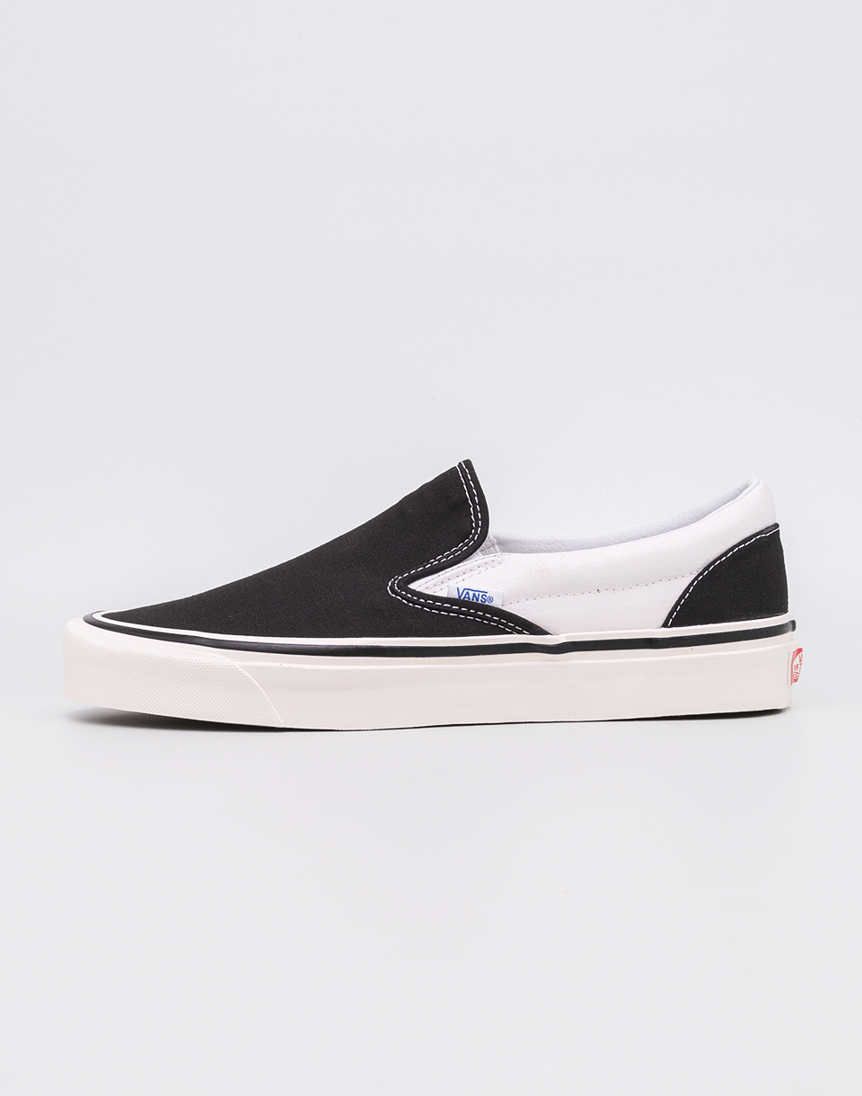 28d3e0997d7 Vans Classic Slip-On 98 DX (Anaheim Factory) Black White 45