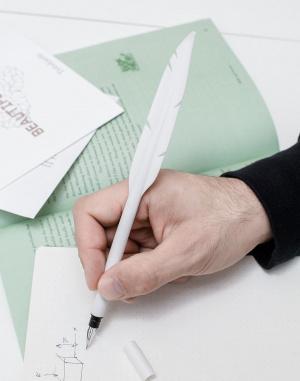 Do kanceláře - Kikkerland - Pen Feather