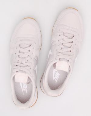 Nike - Internationalist