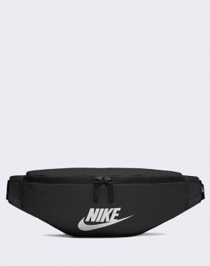 Nike - Sportswear Heritage