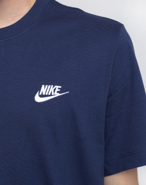 Nike - Sportswear Club