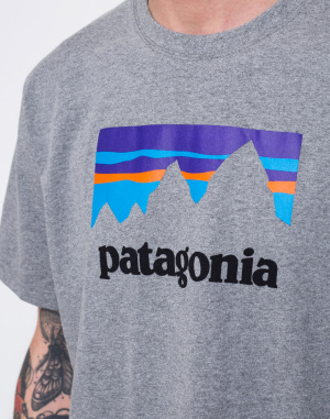 Patagonia - Shop Sticker Responsibili