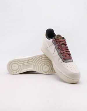 Tenisky Nike Air Force 1 '07 LV8