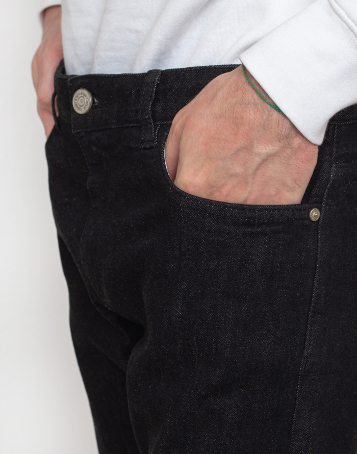 Džíny Knowledge Cotton Ash Tapered Slim Black Rinse Stretched Selvedge Denim
